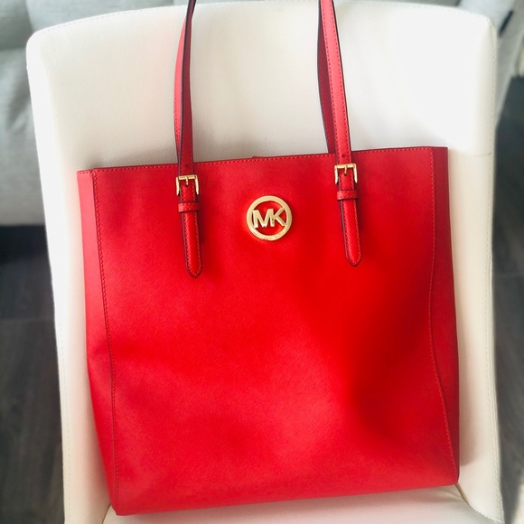Michael Kors Jet Set Large Leather Tote Bag
